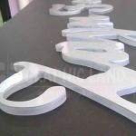 Lettres découpées acrylique