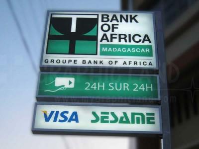 Enseigne lumineuse BOA Carte Visa