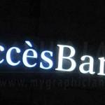 Enseigne lettres lumineuses Accès Banque