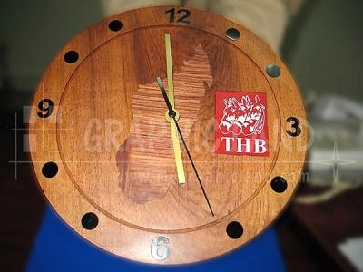 horloge publicitaire THB