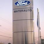 Totem signalétique Materauto